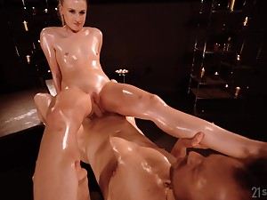 Diane Chrystall oiled their way stunning body for the best orgasm ever with a stranger