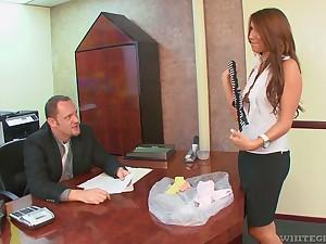 Boss enjoys fucking deep throat and wet pussy of smoking hot copier Miley Ann