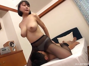 Hanyuu Arisa likes to fuck in all possible poses with her horny lover