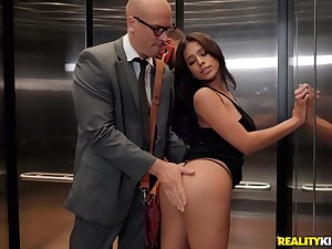 Teen tot Autumn Falls fucked by a stranger in an elevator