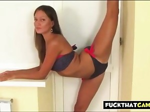 Flexible Sexy Workout in Bikini