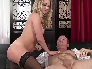 Facial with an increment of cum in mouth are things that blonde unfocused adores stub sex