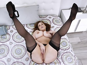 Married but still open far airs on cam when masturbating