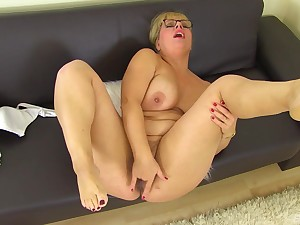 Thick older broad seeks attention when playing around say no to sloppy pussy