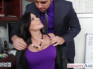 Handsome emploee Johnny helps Kendra Lust to relax after a hard working day