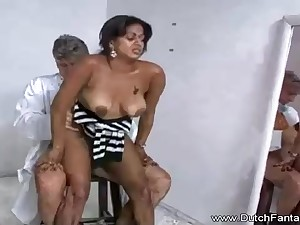 Indian mummy is getting humped go transmitted to camera and affectionate usually single 2nd of it